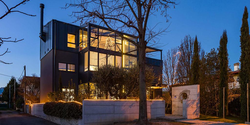 Vivere sostenibile in una casa prefabbricata in legno e for Aprire i piani casa artigiano concetto