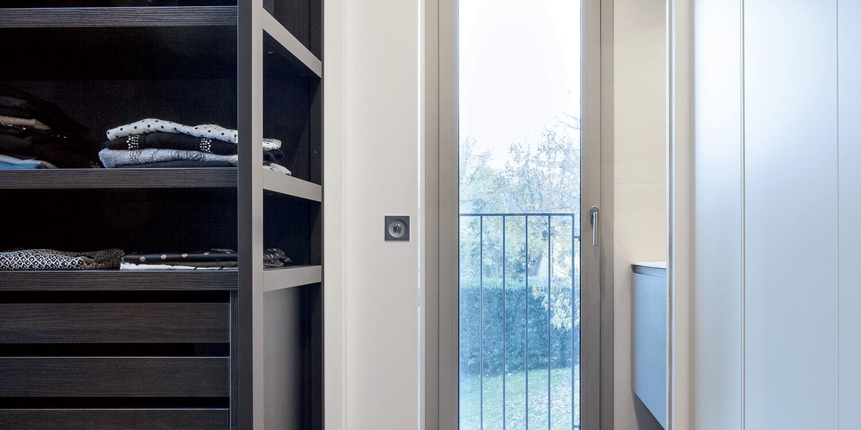 ECLISSE Syntesis® Line puerta corredera enrasada vestidor